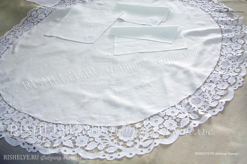 белая скатерть из льна с вышивкой ришелье